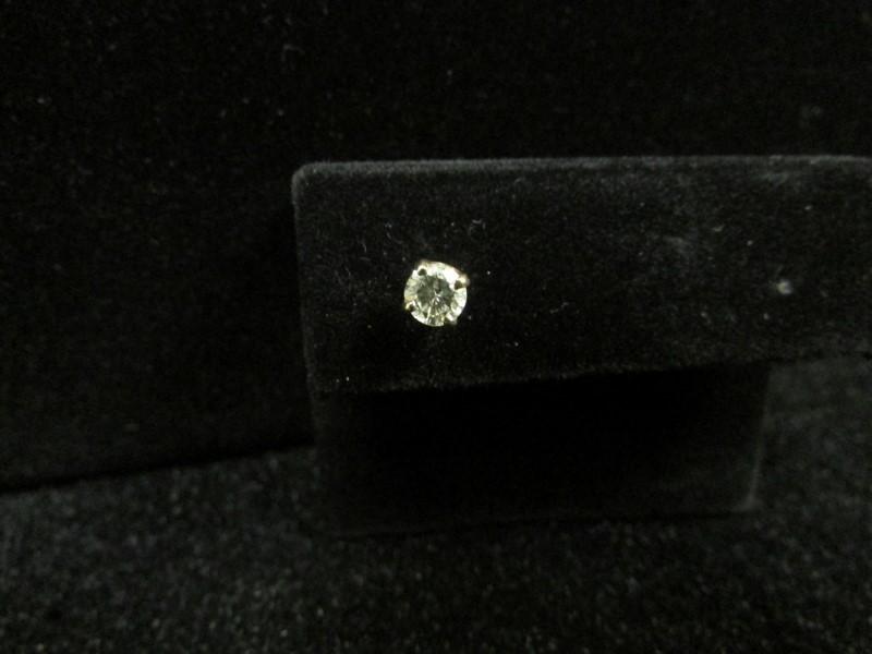 Gold-Diamond Earrings .25 CT. 14K Yellow Gold 0.4g