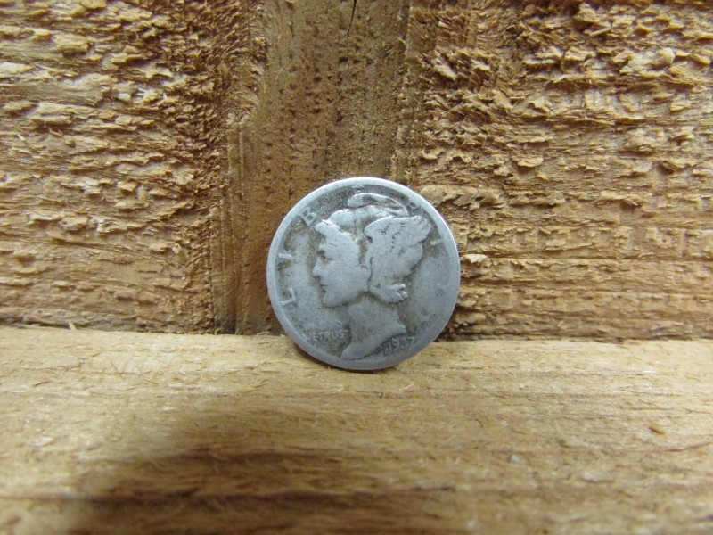 UNITED STATES Silver Coin 1937 MERCURY DIME