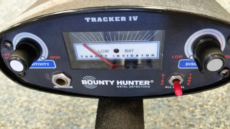 BOUNTY HUNTER TRACKER IV METAL DETECTOR]