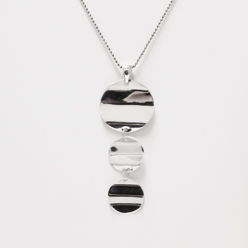 Triple Stacked Round Waved Sterling Silver Knecklace