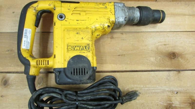 DEWALT Hammer Drill D25600