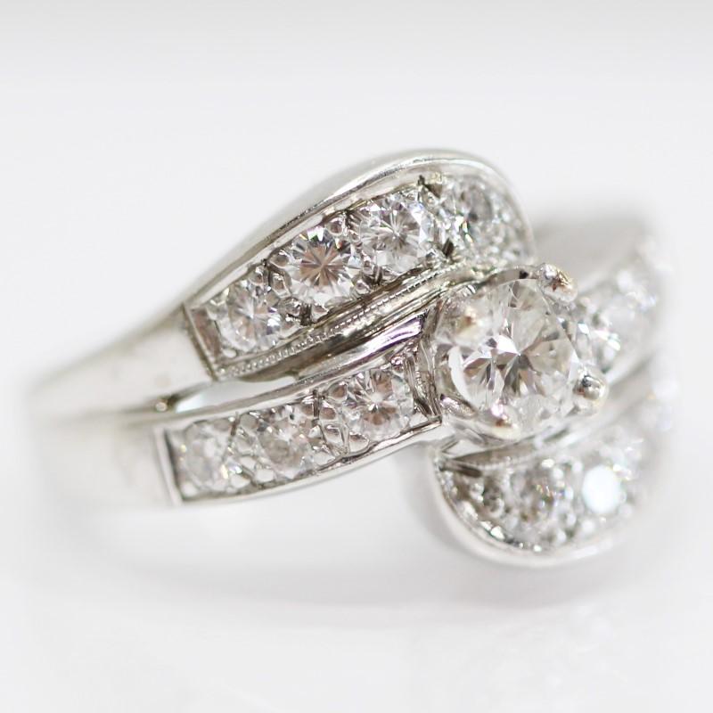 14K White Gold Bead & Channel Set Round Cut Diamond Ring  Size 5.5