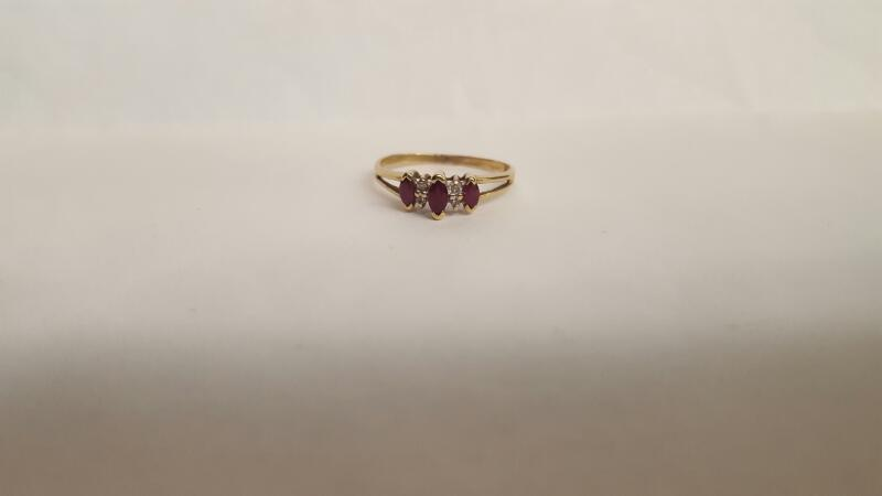 Red Stone Lady's Stone Ring 10K Yellow Gold 1.6g Size:8