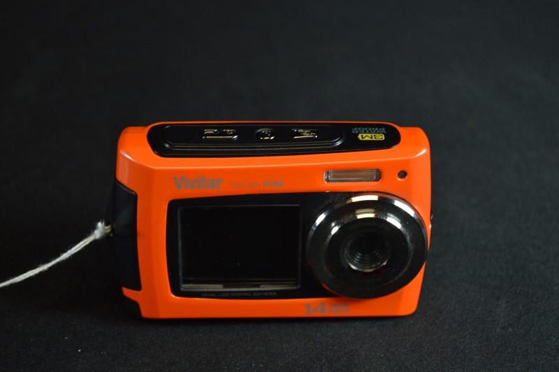 ViviCam F526 Dual LCD Digital Camera (READ NOTES)