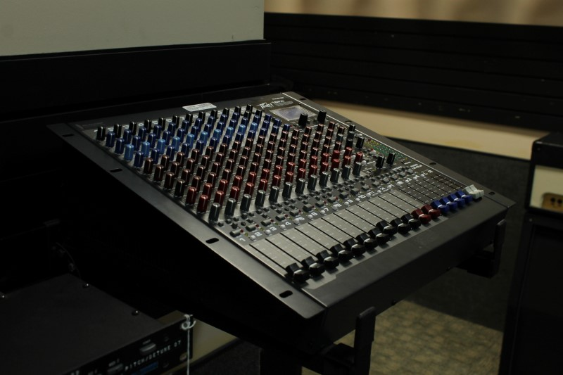 Peavey 16FX 16 Channel Mixer