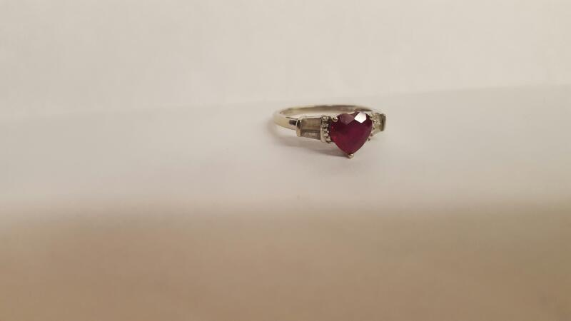 Red Stone Lady's Stone Ring 10K White Gold 2.2g Size:6.8