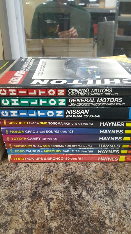 Lot of 14 Auto Repair Manuals Chilton Haynes Jeep Dodge Lincoln Nissan