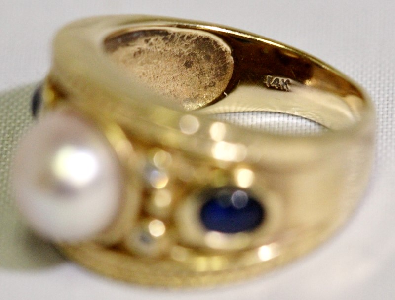 14K Yellow Gold Ornate Bezel Set Pearl, Diamond & Cabochon Sapphire Dome Ring 5