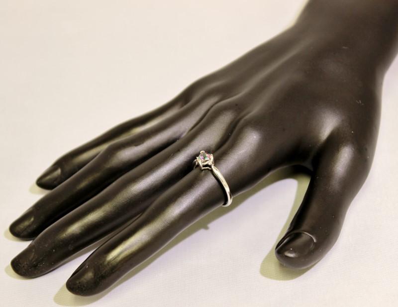 10K White Gold Tapered Band Trillion Cut Mystic Topax & Diamond Ring sz 7.25