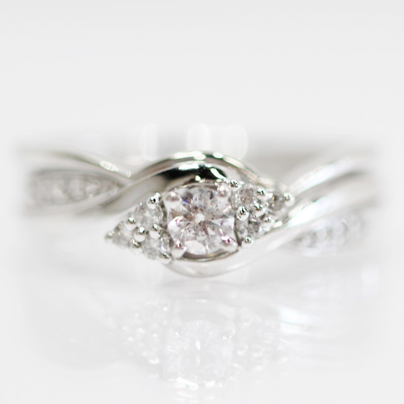 Lovely 10K White Gold Round Brilliant Diamond Engagement Set Size 7