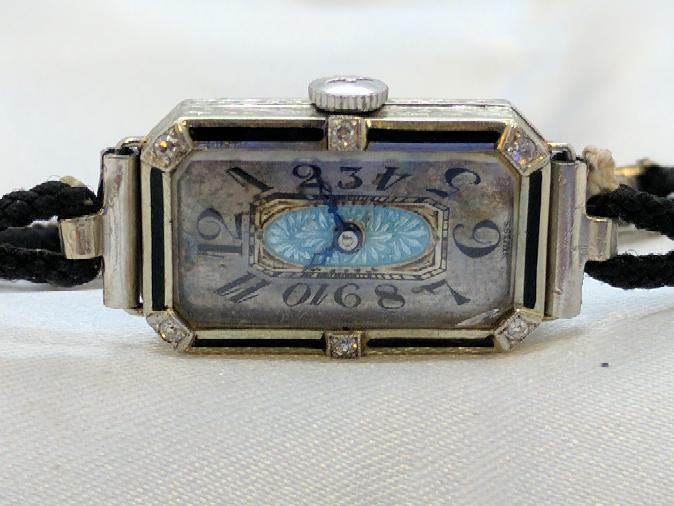 Paul Vallette Lady's Wristwatch RARE! 18K case. 15mmx25mm
