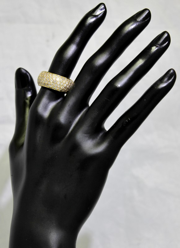 14K Yellow Gold Lord & Taylor Pave Set Diamond Encrusted Ring Band sz 7.75