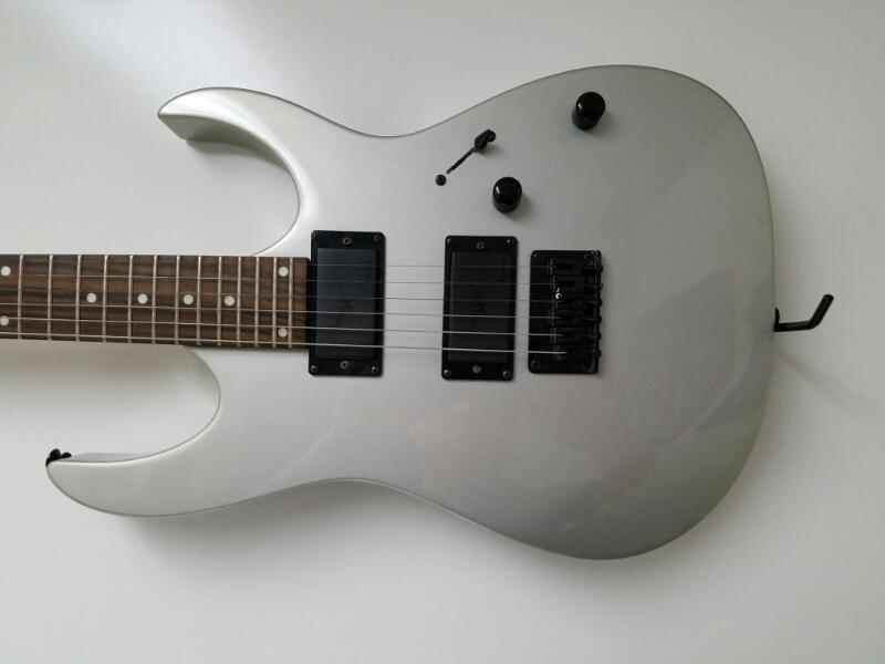 IBANEZ 2007 Electric Guitar GIO RG Series GRG121EX Silver PLEASE READ