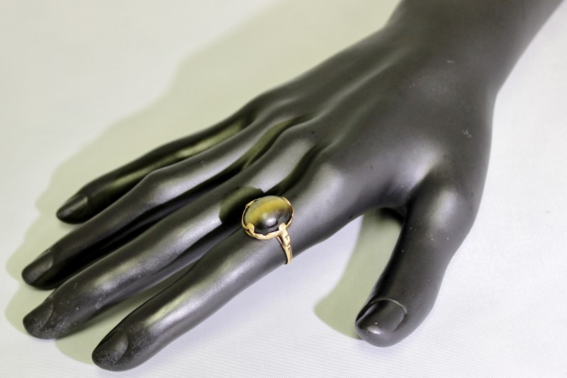 10K Yellow Gold Vintage Inspired Cats Eye Crysoberyl Solitaire Cocktail Ring