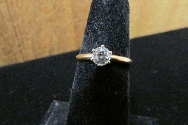 Lady's Diamond Solitaire Ring 0.46 CT. 14K Yellow Gold 1.6g