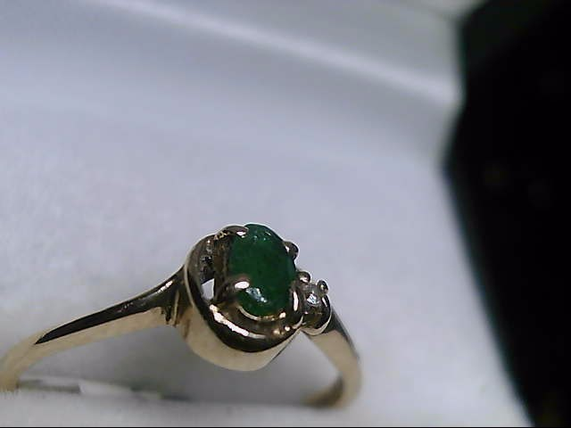 10K Yellow Gold Oval Emerald & Diamond Ring Sz 6