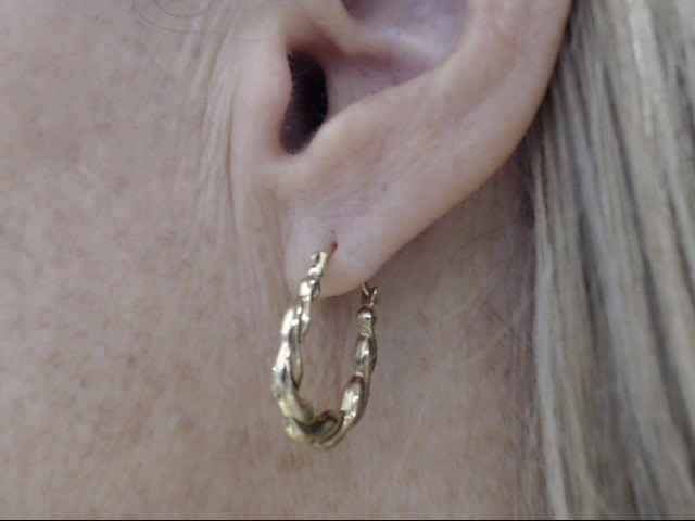 """ESTATE SMALL 3/4"""" TWIST HOOP EARRING REAL 10k YELLOW GOLD 0.7g"""