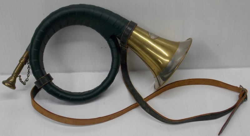 VINTAGE FURST-PLESS HUNTING HORN WITH MOUTHPIECE AND GREEN LEATHER STRAP