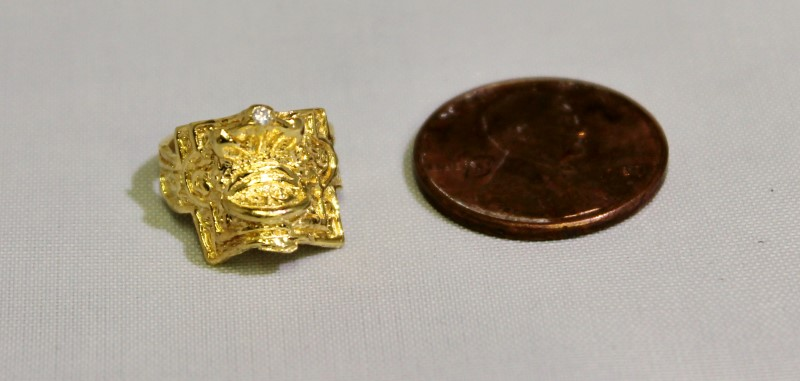 14K Yellow Gold Ornate Diamond Equestrian Western Saddles Horse Baby Ring sz 1