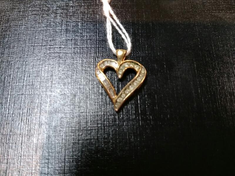 Gold-Multi-Diamond Pendant 32 Diamonds .32 Carat T.W. 10K Yellow Gold 2.7g