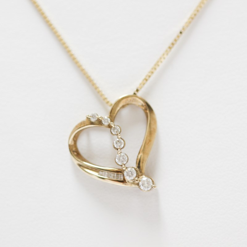 14K Yellow Gold Heart CZ Pendant & Chain Necklace