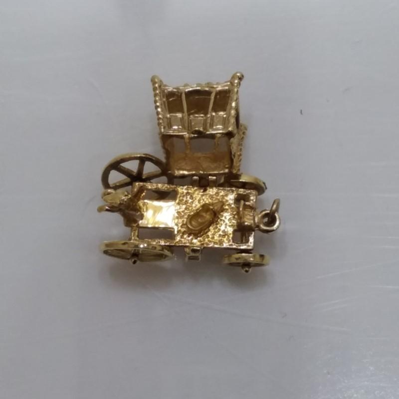 14K Yellow Gold 3D Royal Horse & Carriage Secret Fairytale Slipper Charm (Moves)