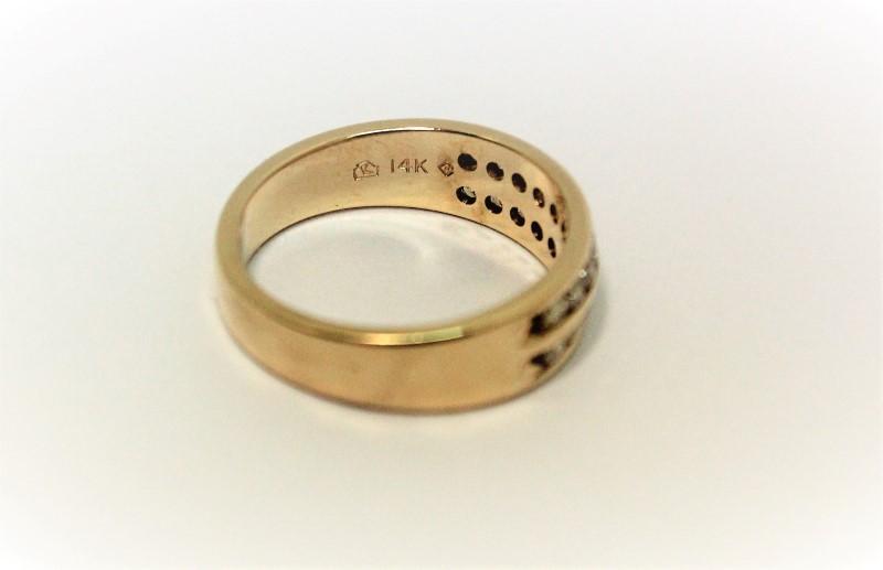 Lady's Diamond Wedding Band 20 Diamonds .60 Carat T.W. 14K Yellow Gold 4.7g
