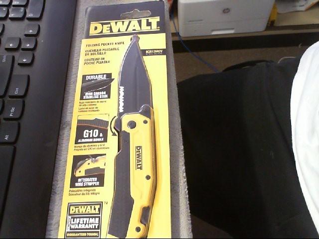 DEWALT Pocket Knife 8CR13MOV