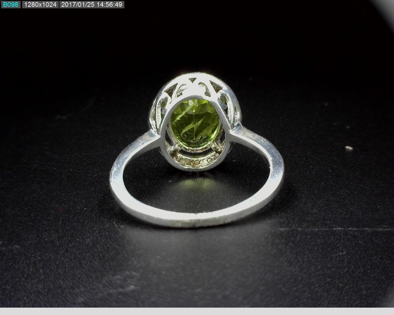 LADY'S STERLING SILVER 2.50CT OVAL PERIDOT W/MELEE S925 2.5G SZ6.5