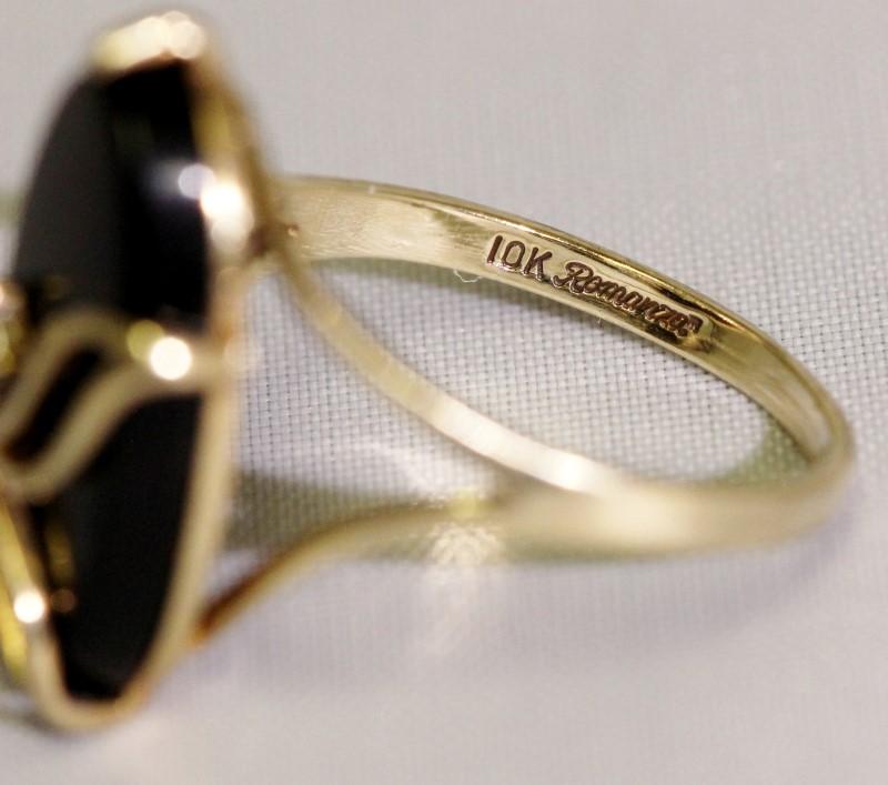 10K Yellow Gold Vintage Inspired Leaf Design Black Onyx & Diamond Cocktail Ring