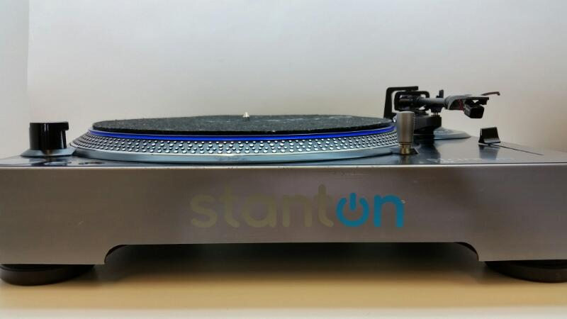 STANTON TURNTABLE T.62 EASY TO OPERATE DIRECT-DRIVE TURNTABLE]