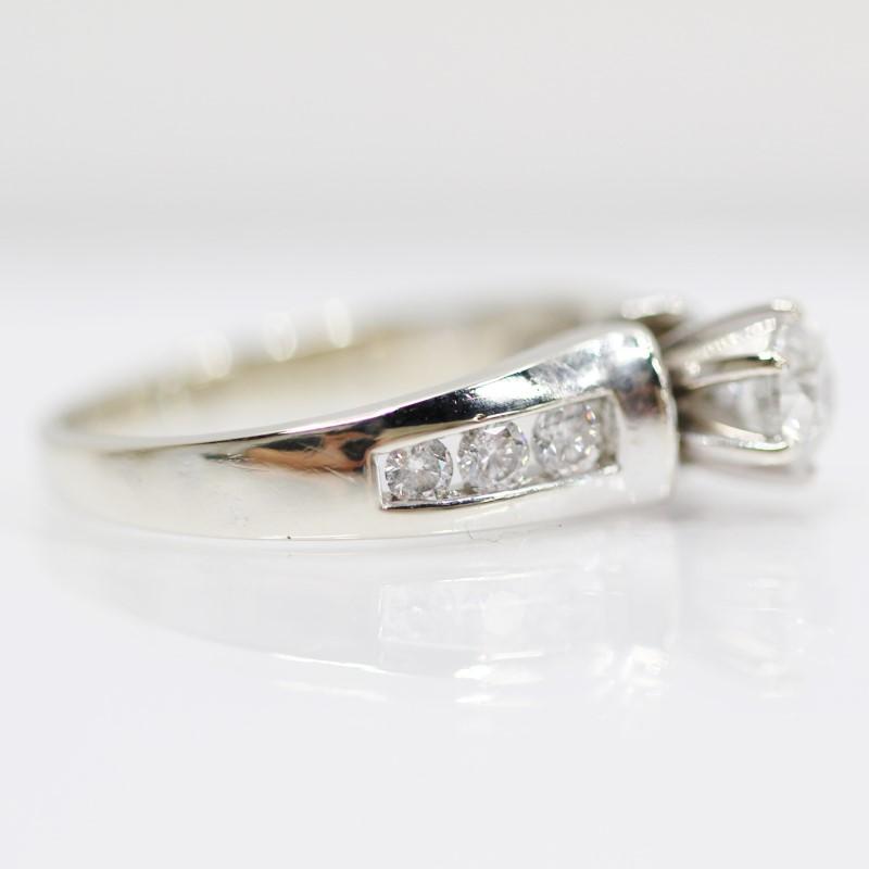 14K White Gold Round Brilliant Diamond Engagement Ring Size 7.5