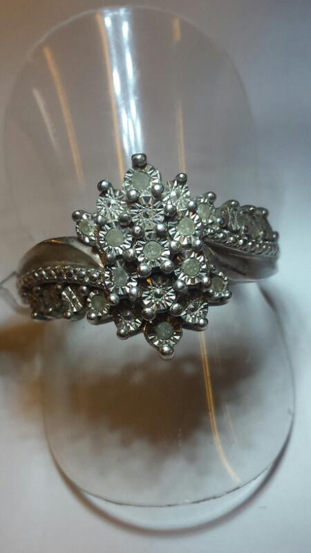 8 Round White Stone Lady's Silver & Stone Ring 925 Silver 3.1dwt SIZE 8