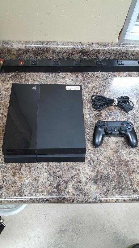 Sony Playstation 4 (PS4) 500gb Jet Black Console (CUH-1115A, 2015)