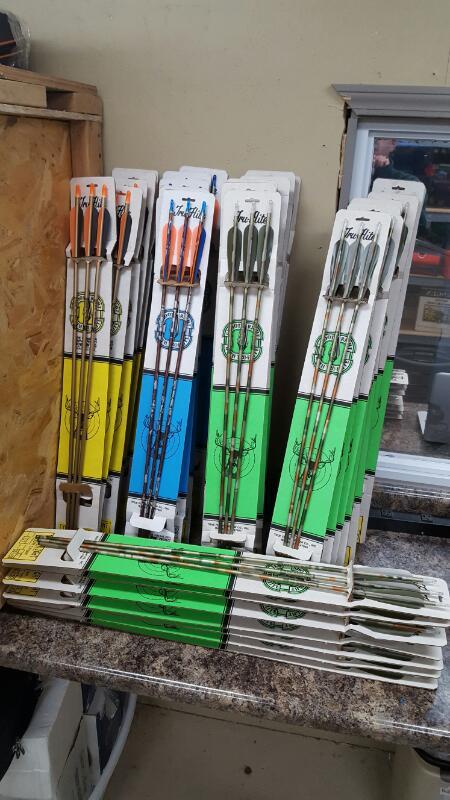 Lot of 108 NEW True Flight Aluminum Arrows - Easton XX75, Hunter Tremark