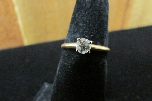 Lady's Diamond Solitaire Ring 0.25 CT. 14K Yellow Gold 1.6g Size:7