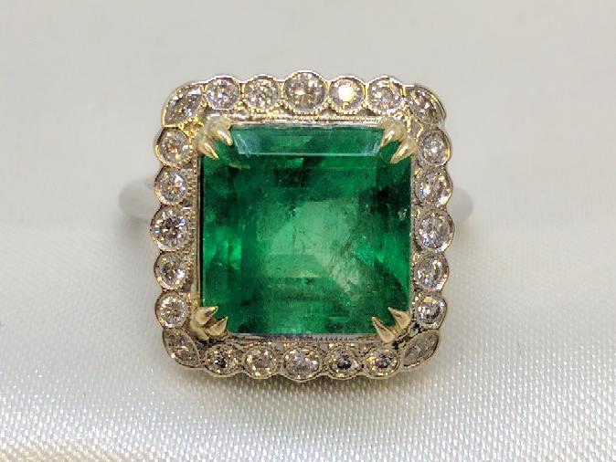 Emerald Lady's Stone & Diamond Ring 29 Diamonds .99 Carat T.W. 18K White Gold