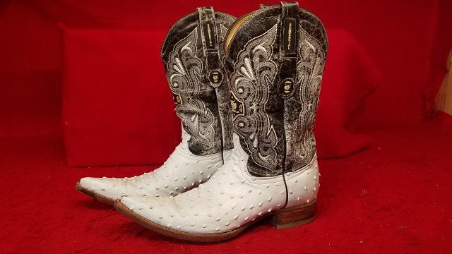 Semental White / Black Ostrich Cowboy Boots - Pointed Toe - Size 10-D