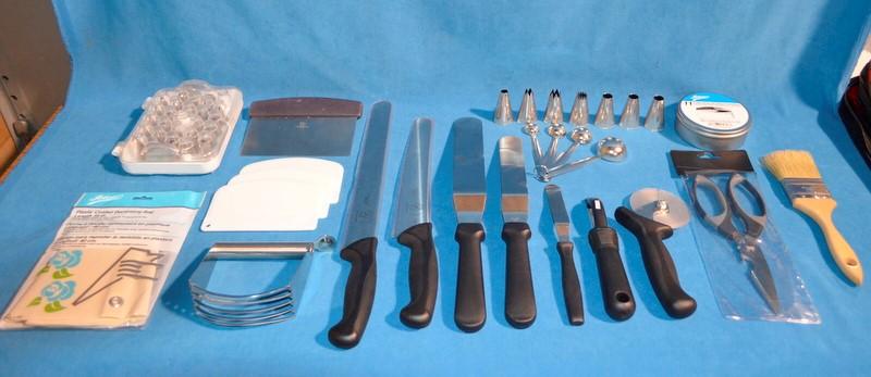 Mercer Ateco Culinary Art Chef Set Kit Bag Knives Spatulas Decorating Utensils