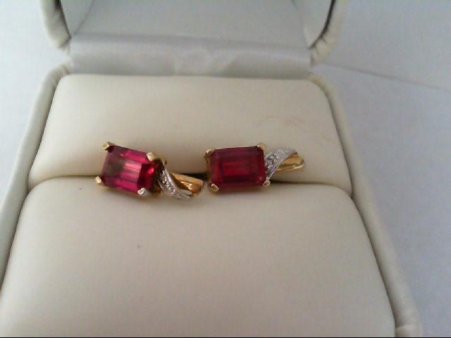 Ruby Gold-Stone Earrings 14K White Gold 1.6g