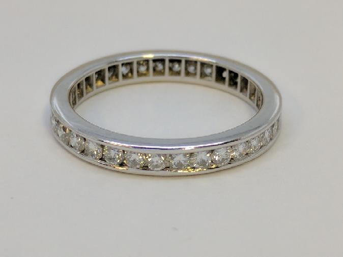 Lady's Platinum-Diamond Anniversary Ring 34 Diamonds 1.02 Carat T.W.