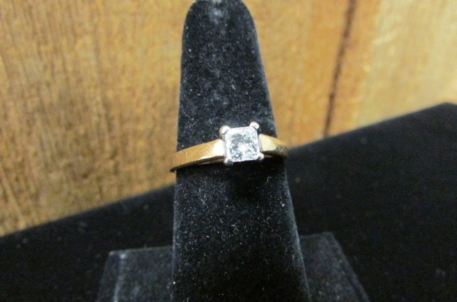 Lady's Diamond Solitaire Ring .55 CT. 14K Yellow Gold 2.7g Size:8