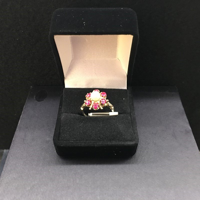 Ruby Lady's Stone Ring 10K Yellow Gold 1.9dwt