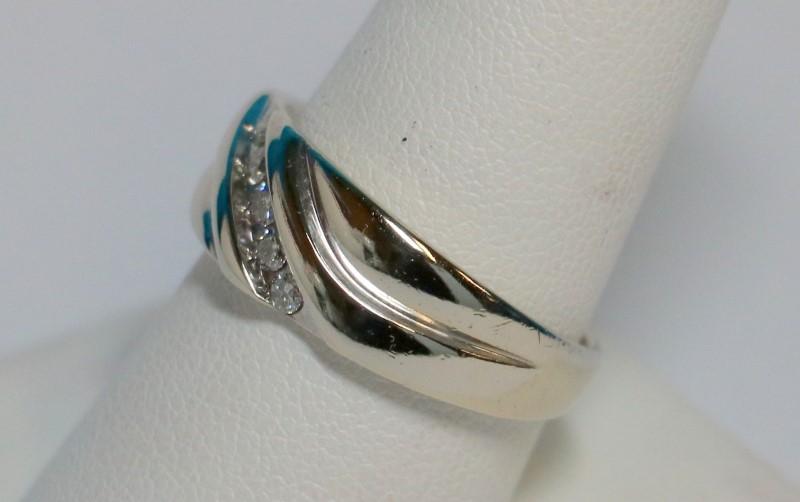 Gent's Gold-Diamond Wedding Band 5 Diamonds .25 Carat T.W. 10K White Gold 7g