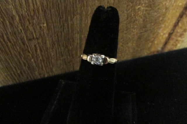 Antique Lady's Diamond Engagement Ring .16 CT. 14K Yellow Gold 1.3g Size:6.5