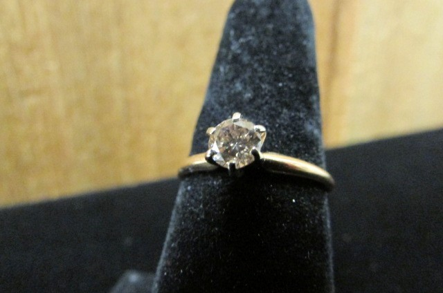 Lady's Diamond Solitaire Ring .34 CT. 14K Yellow Gold 1.8g Size:8