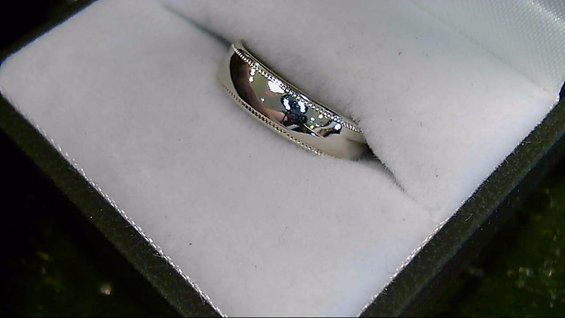 18K White Gold Wedding Band Sz 5