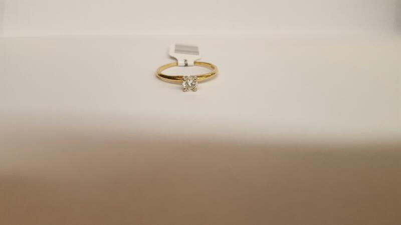 Lady's Diamond Solitaire Ring .33 CT. 14K Yellow Gold 7.9g Size:8.3