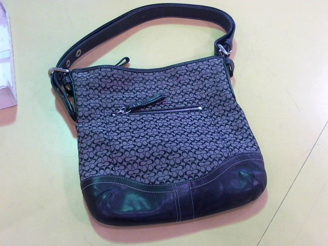 COACH Handbag M0769-F10944