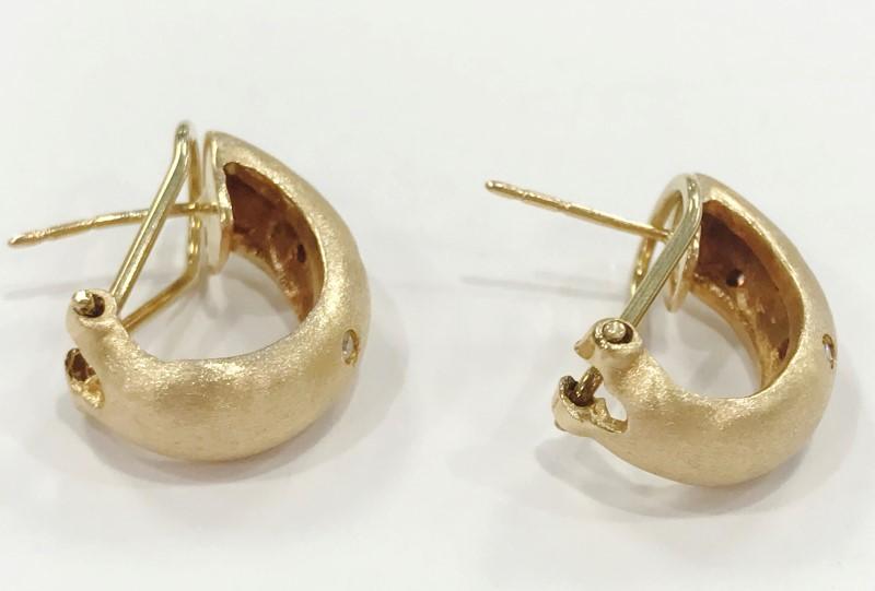 Earrings w/ 10 Diamonds .10 Carat T.W. 14K Yellow Gold 6.76g